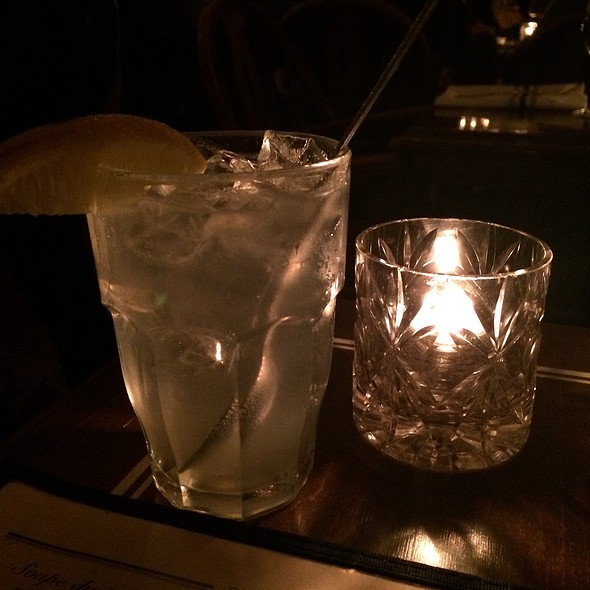Tom Collins @ Dominion Square Tavern