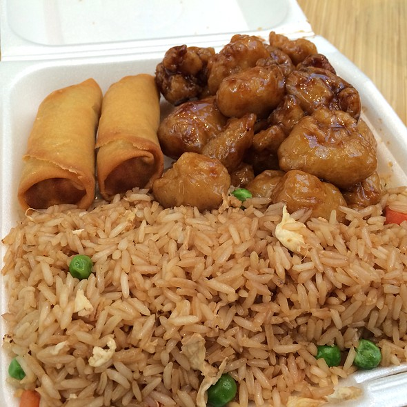Chicken & Fried Rice @ Chinese Gourmet Express