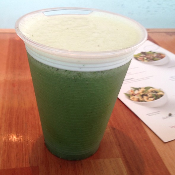Detox Juice W/ Pineapple & Cabbage