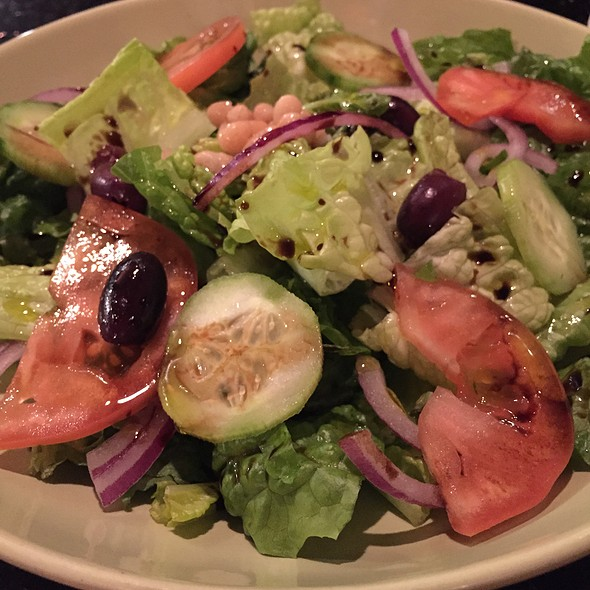 House Salad With Balsamic Vinaigrette @ i-Pasta