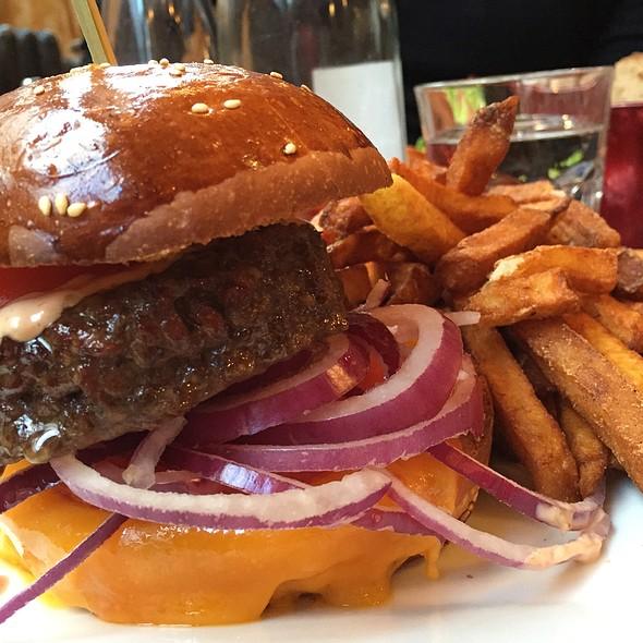 The Burger @ Le Pure Café