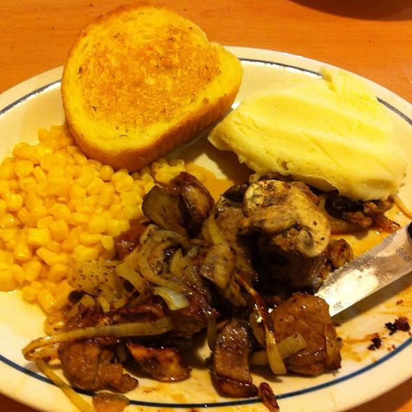 Sirloin Steak Tips Dinner @ IHOP