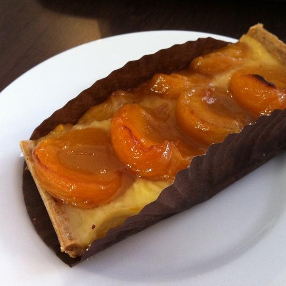 Tarte Apricot @ La Boulangerie De Paris