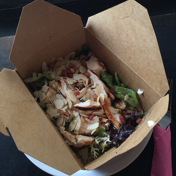 Chicken, pomegranate and goat's cheese salad