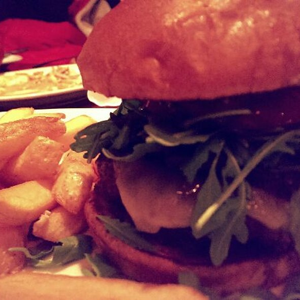 Joe's Signature Burger - Joe's American Bar and Grill - Woburn, Woburn, MA