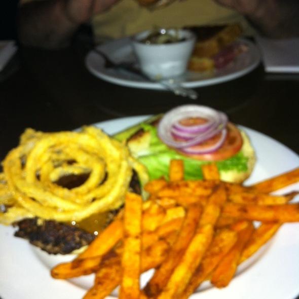 Guiness Burger @ Rí Rá Irish Pub