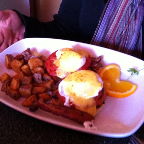 Eggs Benedict with Grilled Tomato @ Dairy Lane Cafe