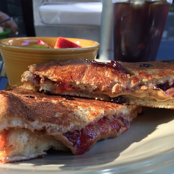 Peanut Butter & Jelly @ Drip On Main