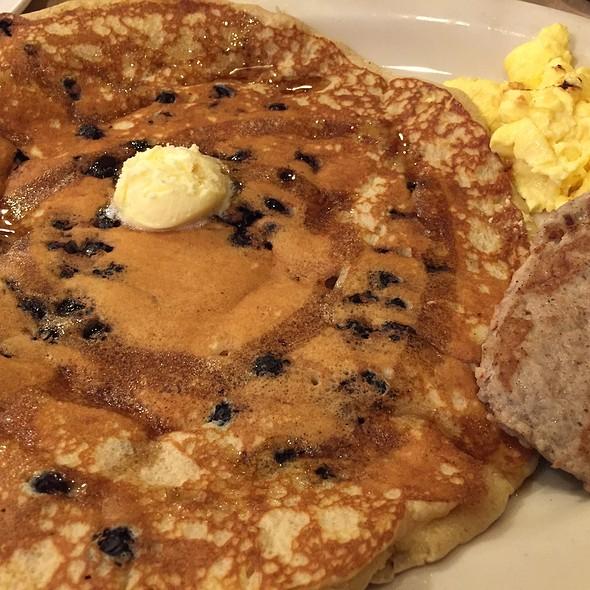 Blueberry Pancake @ Egg & I on Memorial The