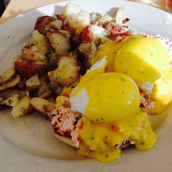 Deconstructed Lobster Roll Benedict