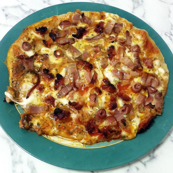 Meat Pizza @ Kool's
