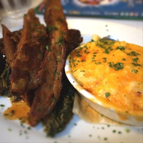 BBQ ribs with macaroni & cheese and collard greens @ Brendas French Soul Food
