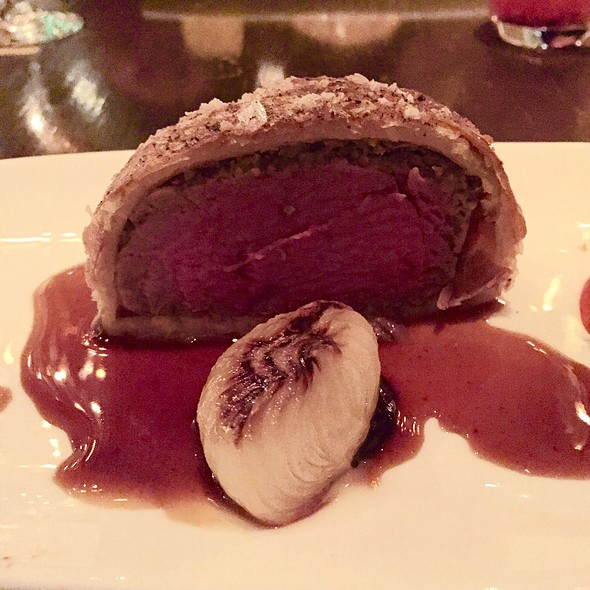 Beef Wellington @ Gordon Ramsay at The London