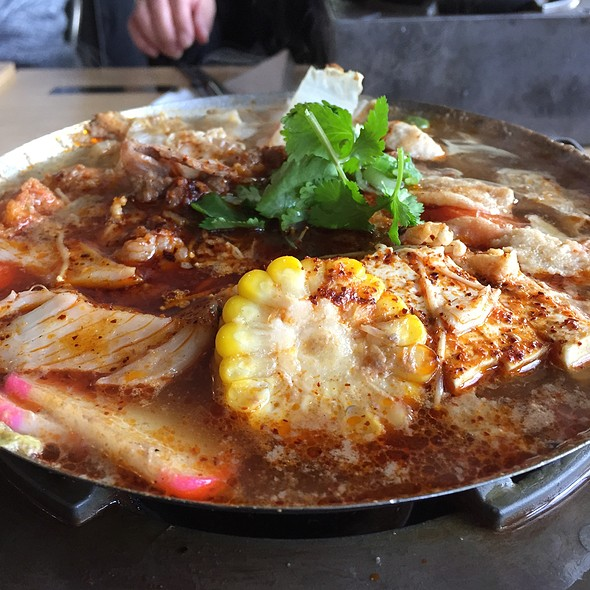 Beef Hot Soup @ Boiling Point