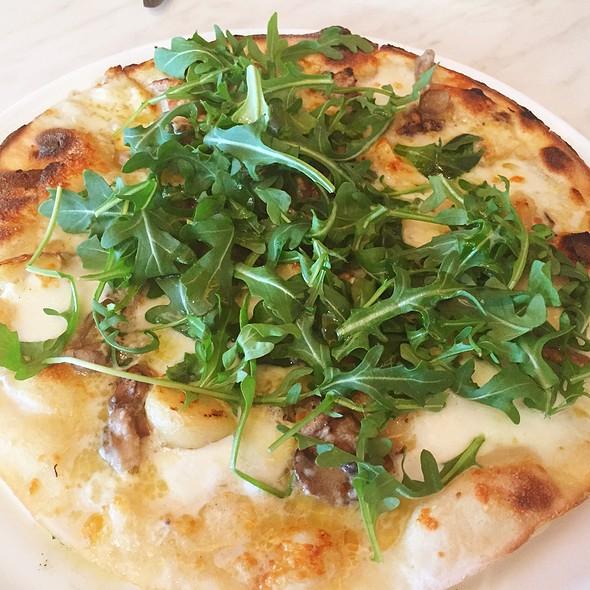 Tartufo Pizza @ 800 Degrees Pizza