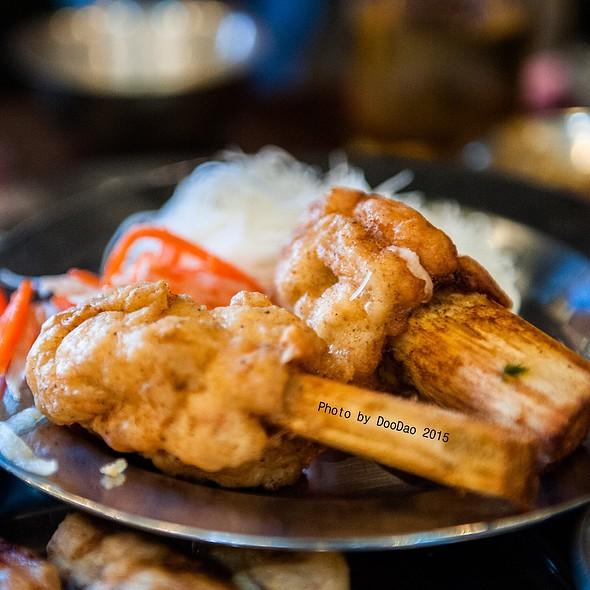 กุ้งพันอ้อย   Fried Shrimp Ball On Sugar Cane Stick @ ร้านอาหารเวียดนาม อินโดจีน (Indojeen)