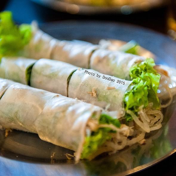 ป๊อเปี๊ยะสด   Fresh Spring Roll @ ร้านอาหารเวียดนาม อินโดจีน (Indojeen)