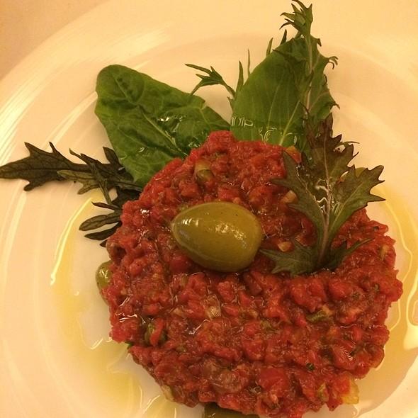 steak tartare @ Restaurante Pajares Salinas
