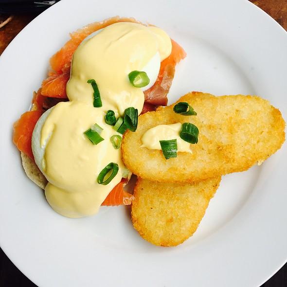Eggs Benedict @ Tilba Teapot Cafe