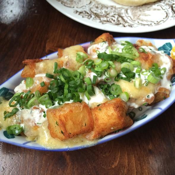 Ranch Potatoes With Cheese @ Maison Publique