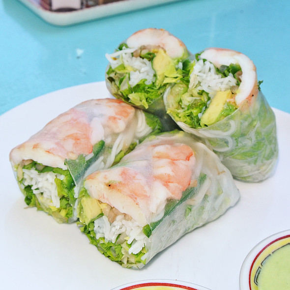 Rice Paper & Vermicelli Spring Roll with Poached Shrimp