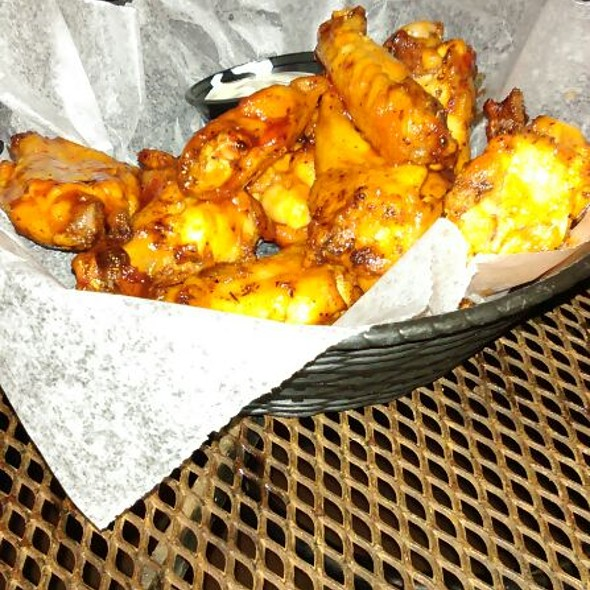HotWings @ The Hammered Lamb