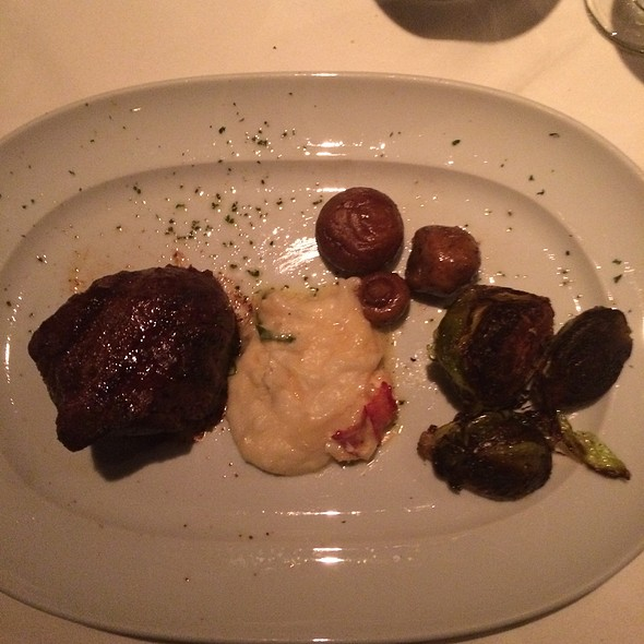 8 Oz Filet, Lobster Mashed Potatoes, Roasted Brussels Sprouts, Sautéed Mushrooms - Mastro's Steakhouse - Chicago, Chicago, IL