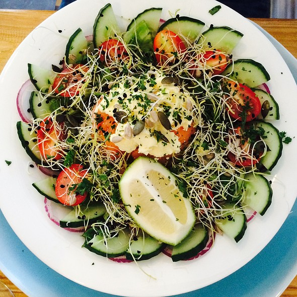 Salmon salad @ Slow Life