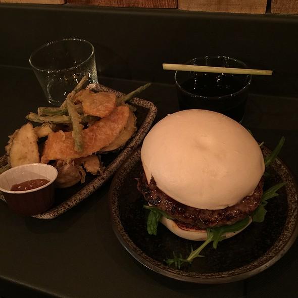 Bao Burger 5 Spices @ Siseng
