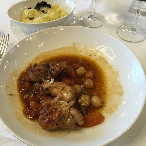 Ris De Veau @ Restaurant Le Train Bleu