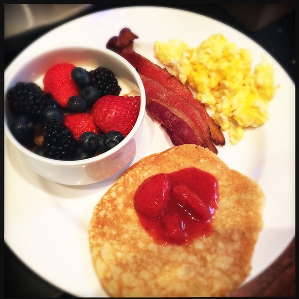 Breakfast @ Toasted Oak Grill and Market