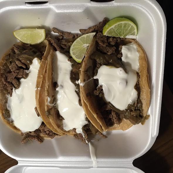 Carne Asada Tacos @ Sun Tacos