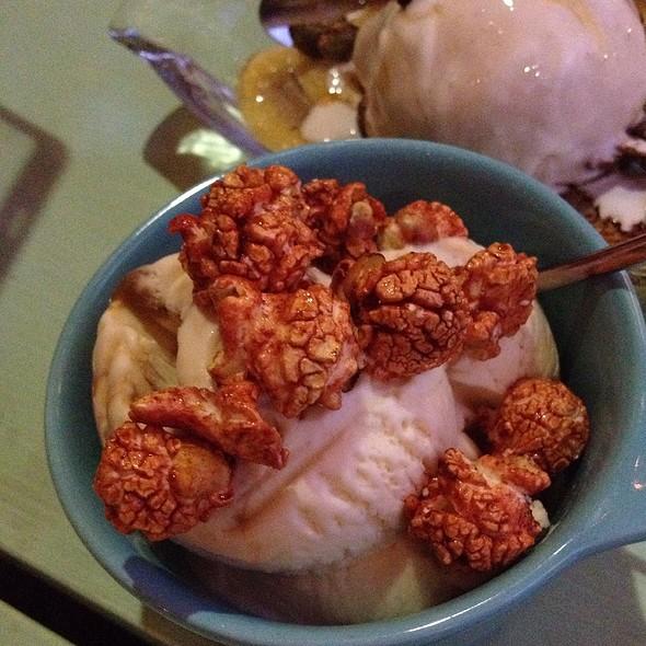 Popcorn ice cream @ Lucha Loco