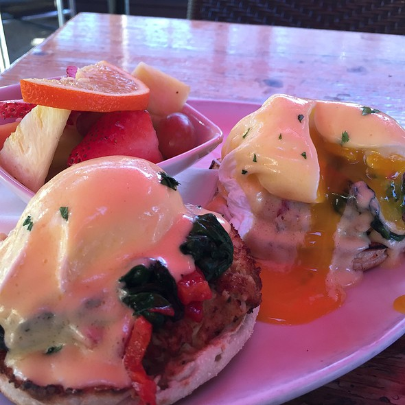 Crab Cake Benedict - Home Restaurant - Silver Lake, Los Angeles, CA