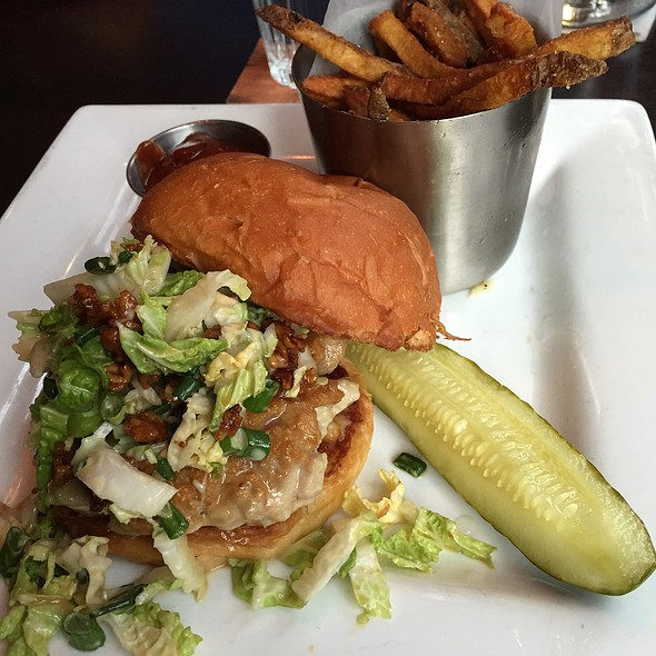 Ahi Tuna Burger @ Red Cow