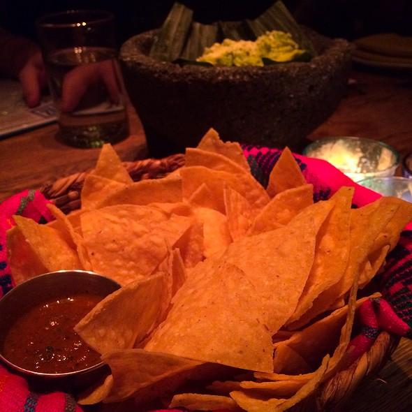Chips & Salsa W/ Guac @ El Vez