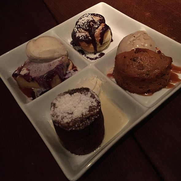 Dessert Sampler - Va de Vi Bistro & Wine Bar, Walnut Creek, CA