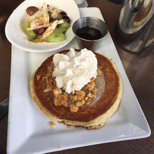 Almond Flour Buttermilk Pancakes  @ Root Down
