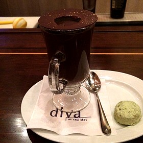 Hot Chocolate - Diva at the Met, Vancouver, BC