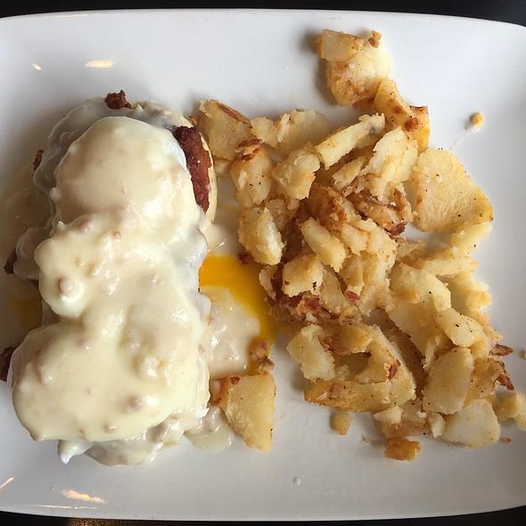 Fried Chicken Benedict @ Break Your Fast
