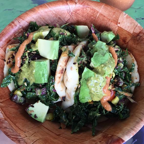 Kale Tacos @ Leahi Health