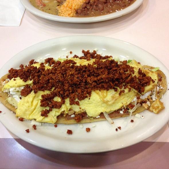 Chorizo Huaraches @ Los Mariachis