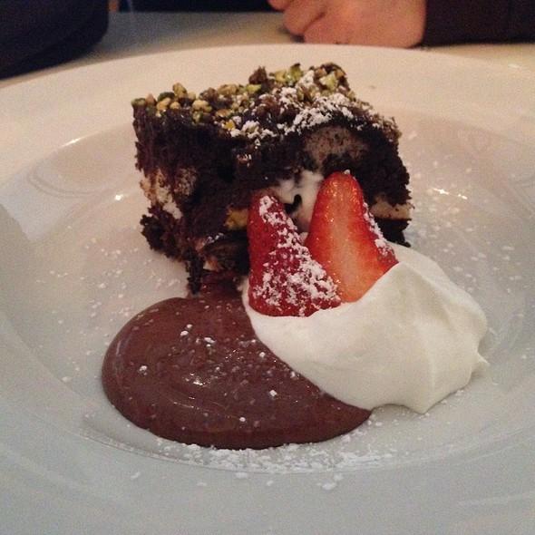Chocolate Pistachio Cupcake @ Ware House 518
