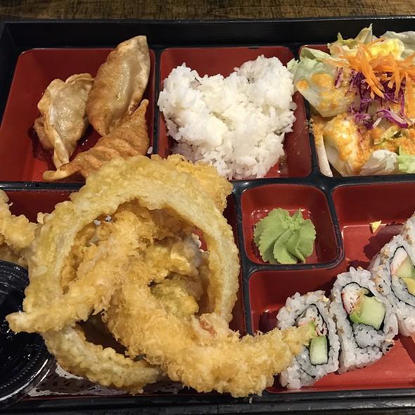 bento box @ Ari Sushi