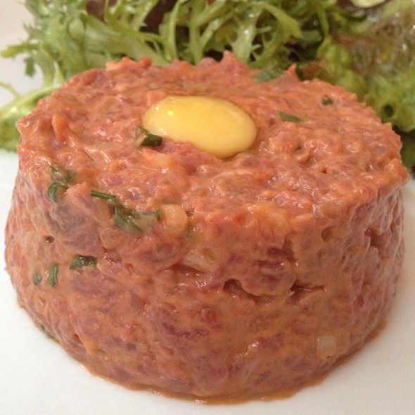 steak tartare @ Bistrô de Paris