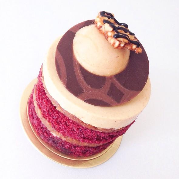 Red Velvet Cake @ Colette & Lola