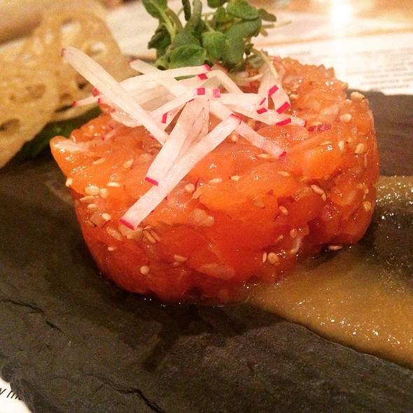 Salmon Tartare, Miso Apple Puree, Lotus Root Chips