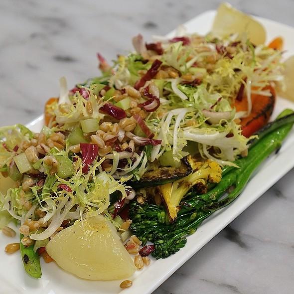 Farro salad, grilled vegetables, EVOO