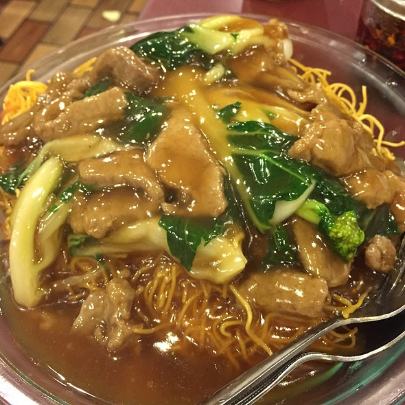 beef pan fried noodles @ Fat Wong's Kitchen