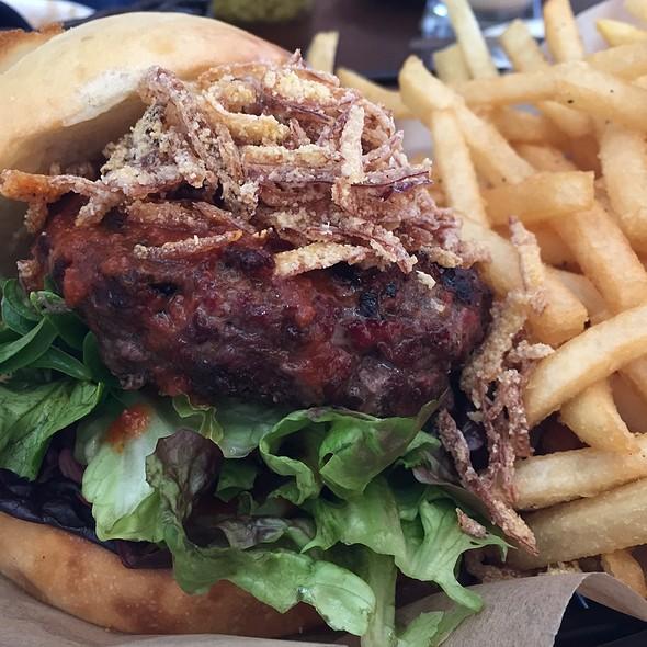 Natural Burger @ Bistro Tupaz